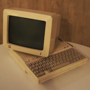 Apple 2C 1977