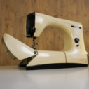 Machine à coudre Mirella Necchi 1957